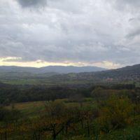 razgled na dolino iz zaselka Gorenje v vasi Lokavec