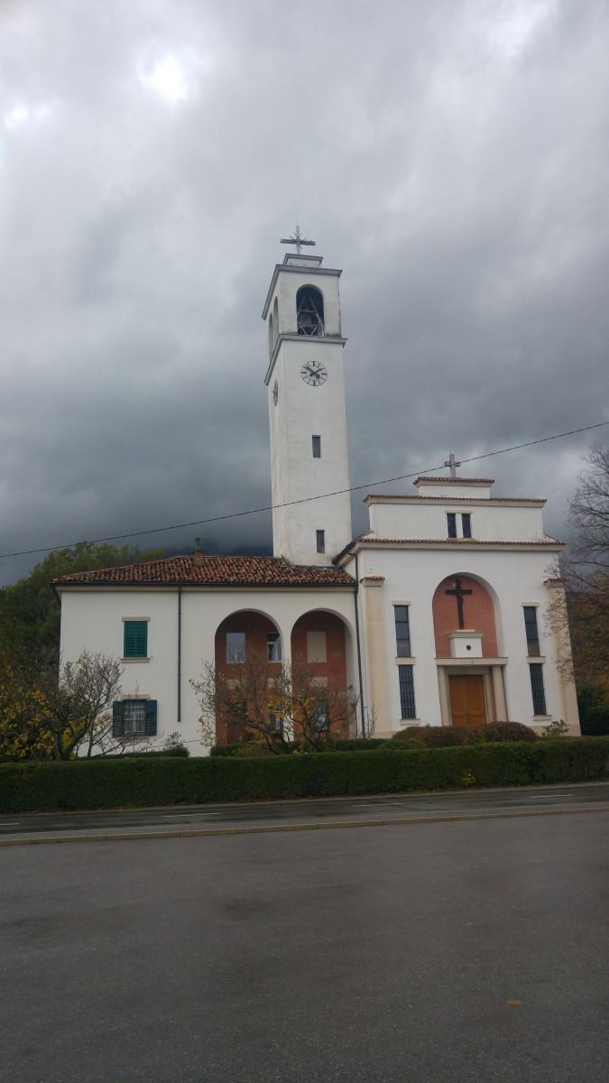 cerkev v Lokavcu
