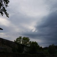 Valovi v oblakih